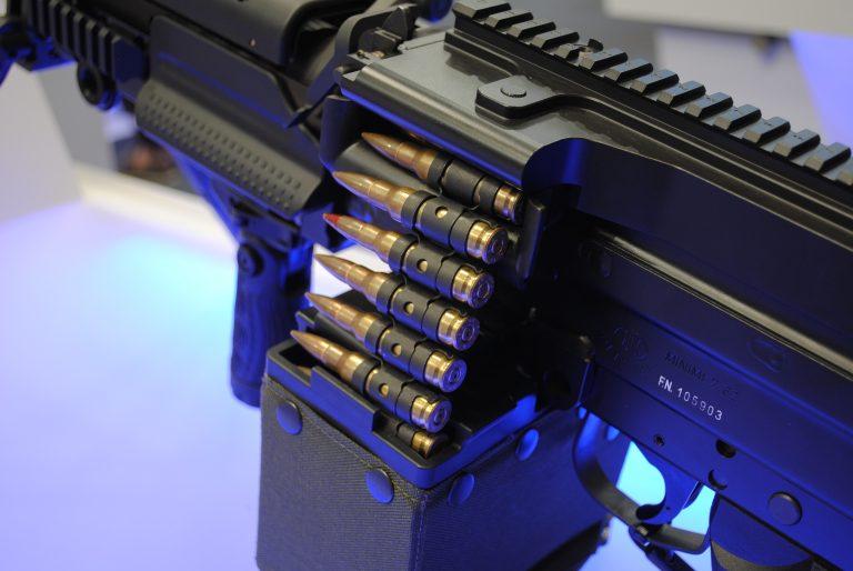 Octroi des licences d'armes : pétition auprès du Parlement wallon pour une plus grande transparence