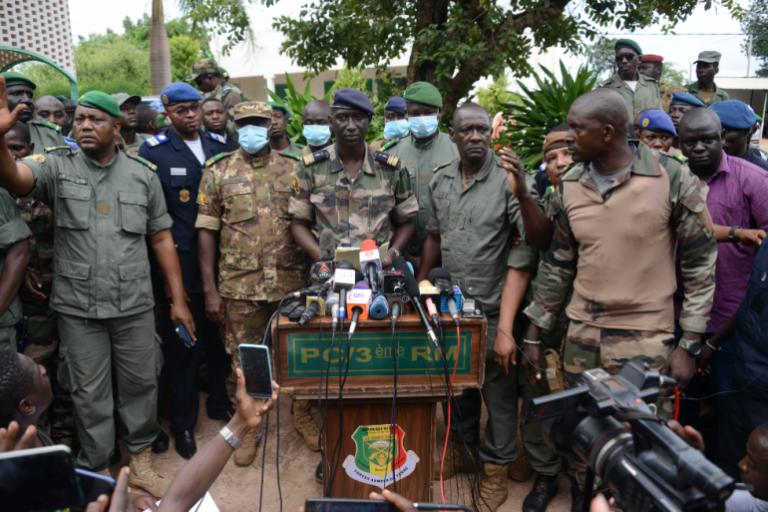 """Coup d'État au Mali : le """"domino"""" qui déstabilisera le Sahel ? (Moustique)"""