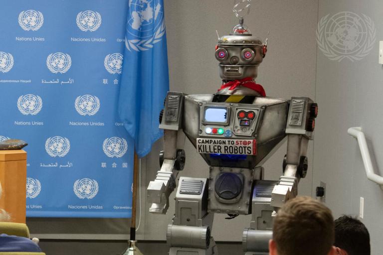 Robots tueurs et Traité sur l'interdiction des armes nucléaires (émission Au bout du jour – RTBF)